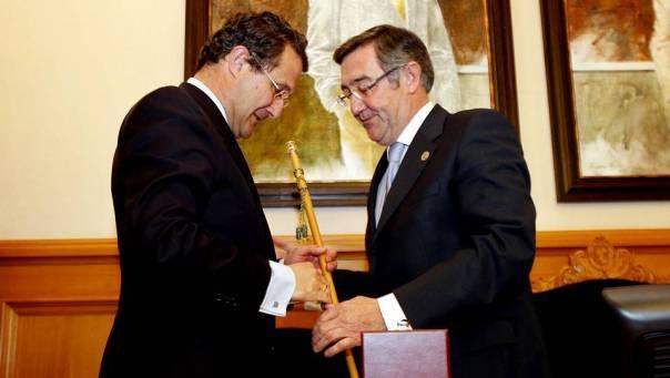 Así comenzaba la etapa de Ángel Currás al frente del Consistorio Compostelano. Esta imagen corresponde al pleno de dimisión de Gerardo Conde Roa FOTÓGRAFO: SANDRA ALONSO FUENTE: La Voz de Galicia